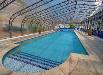 Heated swimming pool - take an early morning dip