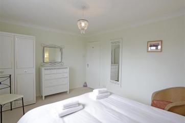 Bedroom 1 - View 5