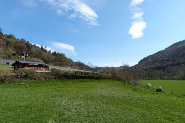 Picturesque setting with beautiful views of the open countryside