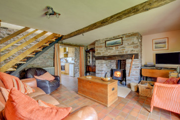 Holiday Cottage Brecon Beacons - lounge with wood burner