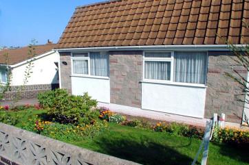 Primley Park Paignton - Front Garden Area
