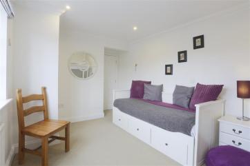 Bedroom 3 - View 2