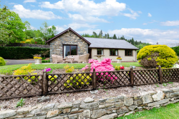Enjoy a 5 star holiday at this Dolgellau cottage for 6