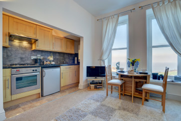 A super sociable space to cook and entertain
