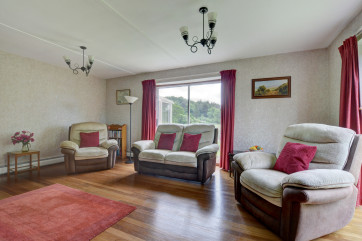 Comfortable seating for four in the sitting room