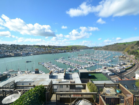 What a location! Sunset cottage is in the lovely waterside village of Kingswear, just across the river from Dartmouth. The views from the property are fabulous, just relax on one of the two terraces at breakfast or watch the sun go down with a pre-dinner