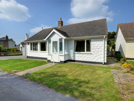 Hillview is situated in an ideal position within walking distance to Croyde beach and the centre of the village