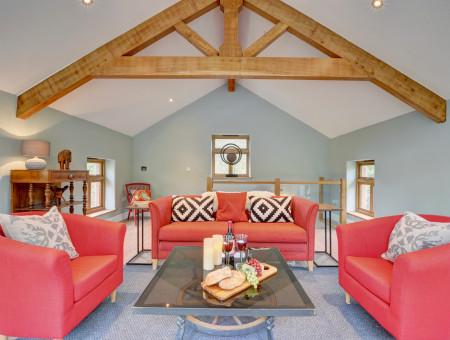 Elegantly styled sitting room