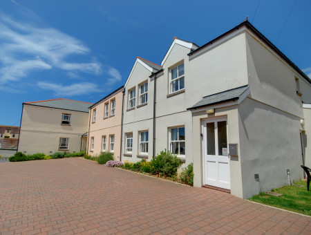 Golden Beach is a ground floor apartment located in a quieter part of Woolacombe village