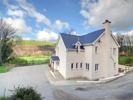 Priory House a stunning detached property in 3.5 acres of unspoilt countryside.
