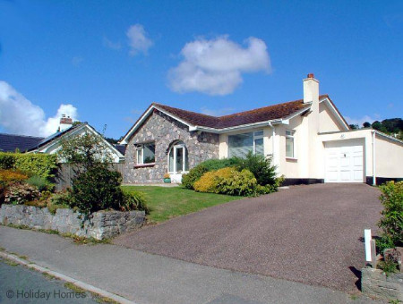 Stoneborough - Large Detached Bungalow