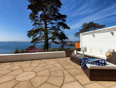 Breathtaking Coastal View Self-Catering Holiday Apartment in Torquay