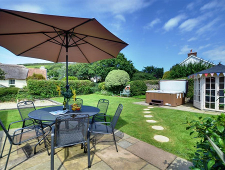 Enjoy al fresco dining on the fabulous patio area