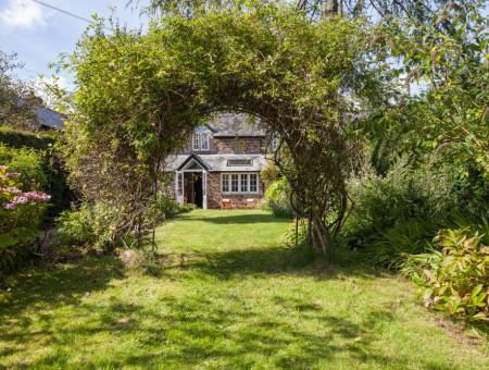 Lovely flower & vegetable cottage garden