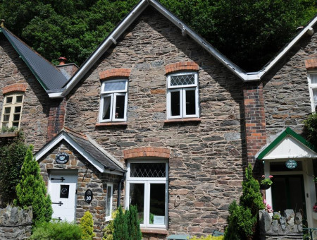 Wilrose, a delightful character terraced cottage
