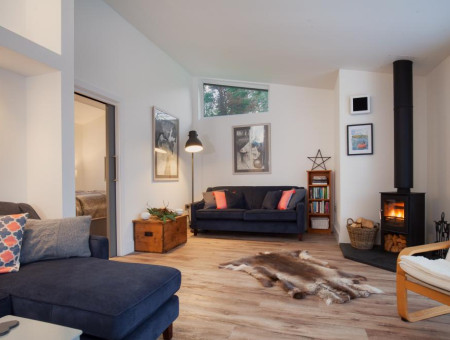 Hygge House, Shaldon - Living area with log fire