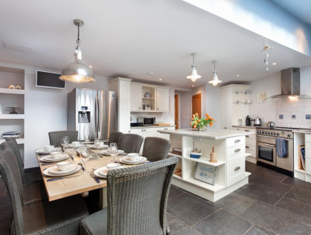Fabulous spacious kitchen with luxury mod cons and plenty of inviting dining space for friends & family.