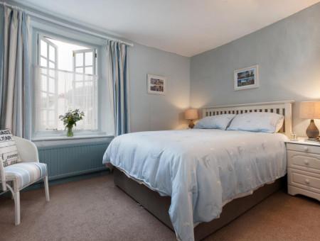 Spacious Master Bedroom giving a couple a comfortable night's sleep in Shaldon village
