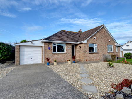 Wenlock is a beautifully presented semi detached bungalow situated in a quiet cul-de-sac, yet close to the picturesque village centre of Croyde