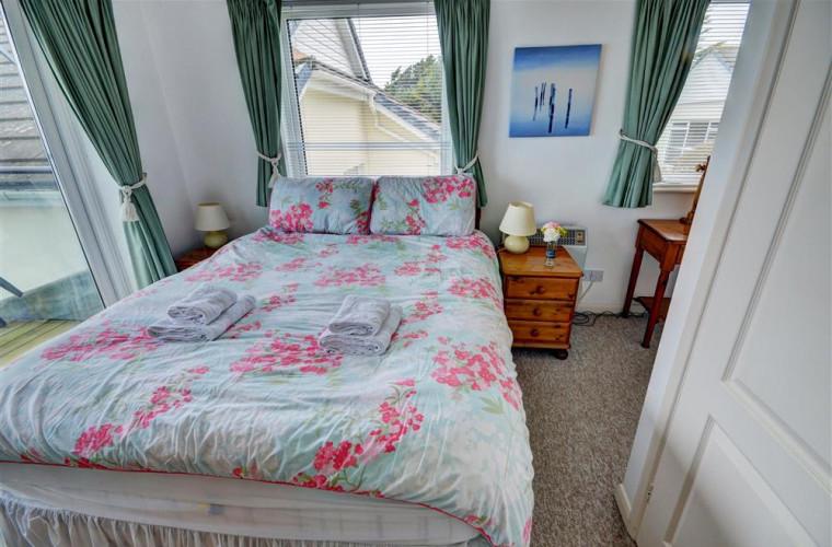 FL27 - Bedroom 1 - View 1