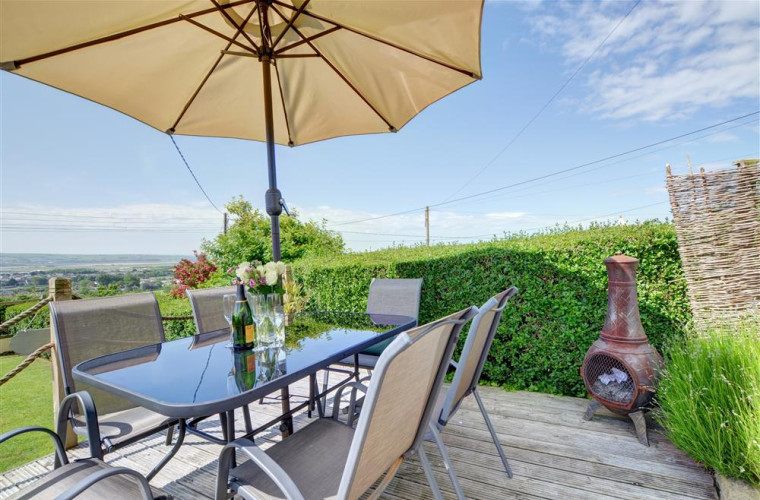 View Point is located in a quiet lane with wonderful far reaching views over the village towards the Taw and Torridge estuaries