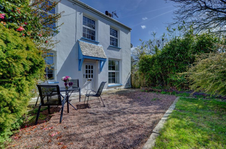 Trinity Cottage is a delightful holiday base from which to explore this part of North Devon