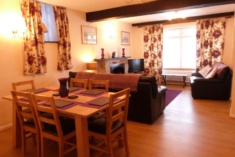 Spacious, open plan living / dining room.