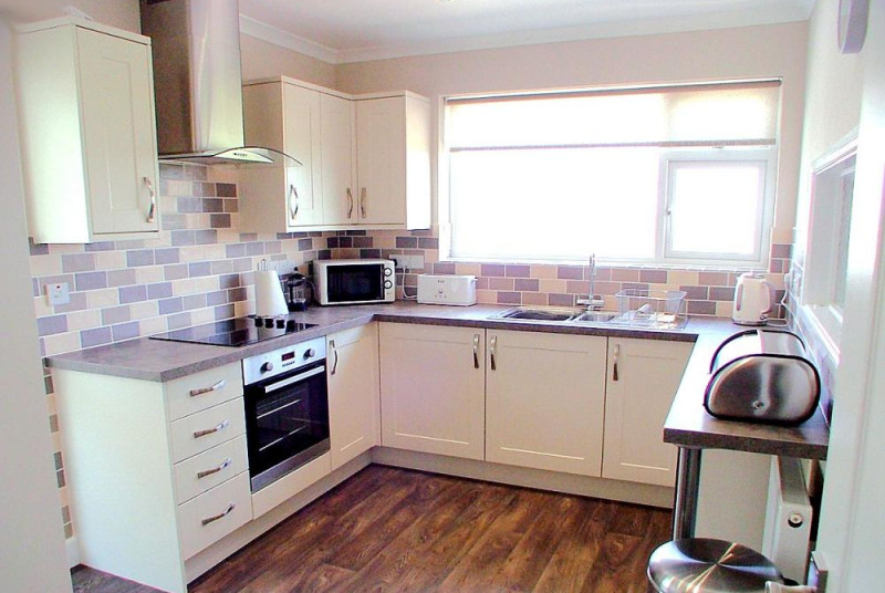 Primley Park Paignton - Modern Fitted Kitchen
