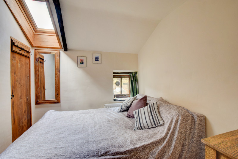 Holiday cottage Brecon Beacons - one of two cosy double bedrooms