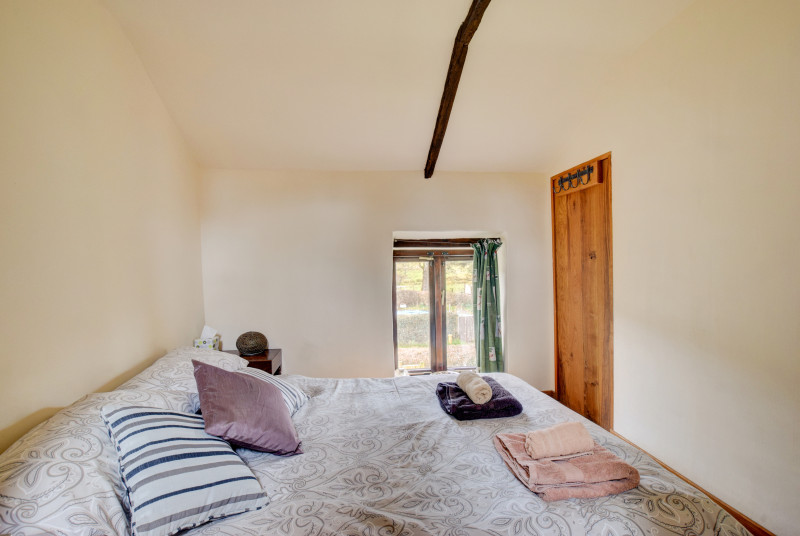 Self-catering Brecon Cottage - double bedroom