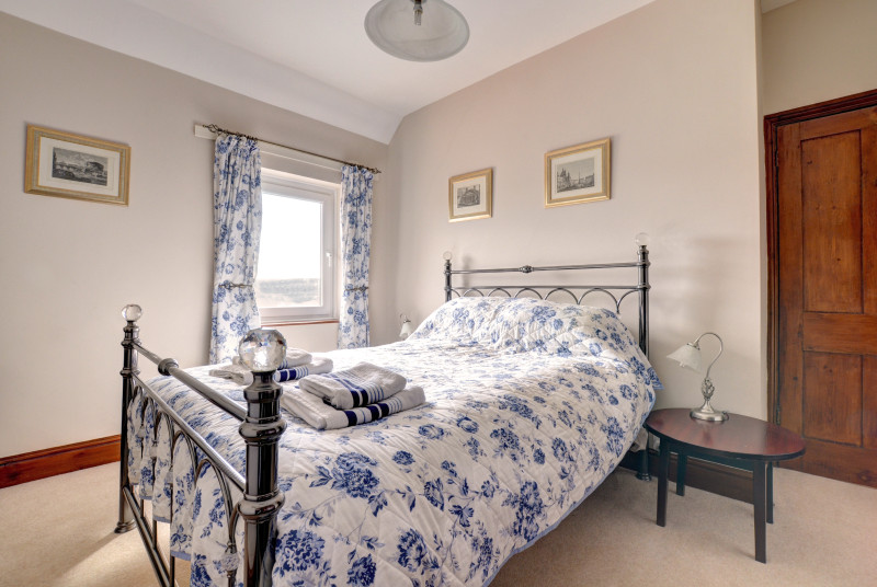 King-size bed in bedroom 2