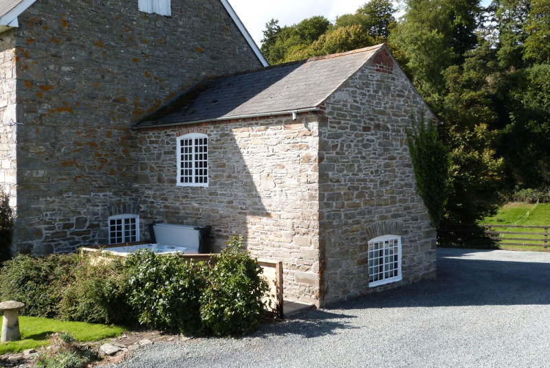 Welshpool accommodation, perfect for couples & small families