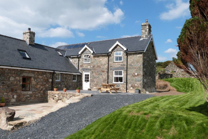 Sea View Tywyn Accommodation - Self Catering Cottage for 10